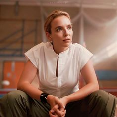 Pleasing People, Jodie Comer, Instyle Magazine, Winter Fashion Outfits, Fall Looks, Suits For Women, Pretty Woman, Crushes, Tv Shows