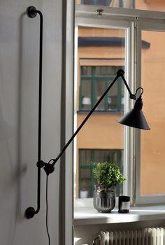Lampe Gras, Black Lamps, Cozy House, Interiores Design, Lamp Light, Furniture Design, Sweet Home, Ceiling Lights, Tack