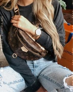 it, a shopping discovery app that allows you to instantly shop your favorite influencer pics across social media and the mobile web. Lv Handbags, Louis Vuitton Handbags, Girl Fashion, Fashion Outfits, Womens Fashion, Passion For Fashion, Fashion Forward, Women Wear, Cute Outfits