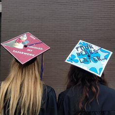 Struggling to figure out how to decorate a graduation cap? Get some inspiration from one of these clever DIY graduation cap ideas in These high school and college graduation cap decorations won't disappoint! Disney Graduation Cap, Funny Graduation Caps, Graduation Cap Designs, Graduation Cap Decoration, Graduation Diy, Graduation Pictures, Funny Grad Cap Ideas, Graduation Invitations, Senior Pictures