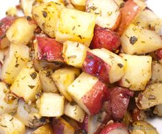 Tuscan Roasted Potatoes - Red bliss potatoes, rosemary & wine. A winning recipe!!!