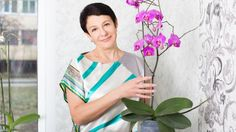 Prečo vám nevydržia orchidey? Ak vám stále vyschnú alebo nekvitnú, možno robíte tieto chyby! | Casprezeny.sk Tie Dye, Shoulder Dress, Gardening, Women, Fashion, Lawn And Garden, Moda, Women's, La Mode