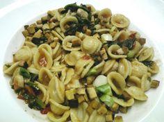 Ich liebe ja den Blogtitel 'durchs wilde Veganistan' und eine wilde, exotische Mischung ist auch dieses Pasta-Gericht - mit Rezept!