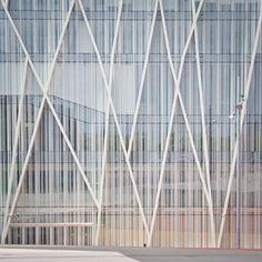 My new love! #diagonal00 #pure #design #future #architecture #glass #facade #reflection #white #stripes #barcelona #city #mynewlove #omg #amazing #stuff