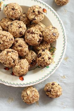 Breakfast Balls – Handy Little Balls of Goodness for On-the-Go Breakfasts or Snacks- excellent and the kids love them.
