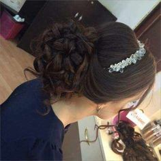 Pin by Andrea on penteado preso lindos in 2019 Sweet 15 Hairstyles, Quince Hairstyles, Braided Hairstyles Updo, Bride Hairstyles, Updo Hairstyle, Braided Updo, Celebrity Hairstyles, Wedding Hair And Makeup, Hair Makeup