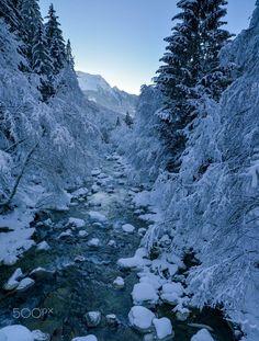 so Kalt by franz dengg...... #wasser #Brandberg #Zillergrund #Winter #Landschaft #Tirol #Mayrhofen #Ziller Winter Wonderland, Mount Everest, Landscapes, National Parks, Relax, Seasons, Mountains, Nature, Photography