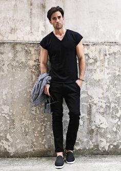 UNIQUE POINT LINE BLACK PANTS #strunway