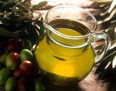 este es el aceite de oliva que se utiliza para el condimento.