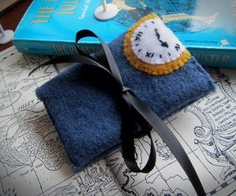 Travel Wallet (inspired by the Phantom Tollbooth)- maybe I could make these like Mrs.Cameron made Runaway Ralph bookmarks! The Phantom Tollbooth, Kids Book Club, Diy Wallet, Classic Books, Cute Crafts, Book Activities, Great Books, Small Gifts, Girl Scouts