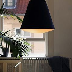 Designed by the Danish HAY brand, the SINKER suspension or ceiling light, features a modern and elegant aesthetic, enabling it to dress your wall or ceiling beautifully. Flush Ceiling Lights, Ceiling Lamp, Ceiling Lighting, Cool Lighting, Lighting Design, Pendant Lamp, Pendant Lighting, Console Design, Tatami