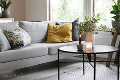 Aivan kuin uusi olohuone – Olohuoneen kalustaminen Sofa, Couch, Furniture, Home Decor, Settee, Settee, Decoration Home, Room Decor, Sofas