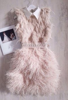 feathers texture love the look minus the feathers on top feathers texture love the look minus the feathers on top Elegant Dresses, Cute Dresses, Beautiful Dresses, Short Dresses, Queen Fashion, Look Fashion, Couture Fashion, Vestido Charleston, Scream Queens Fashion