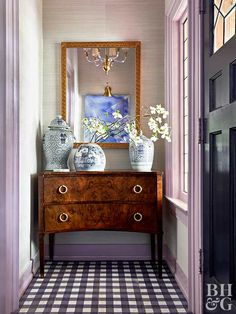 Chinoiserie Chic: The Chinoiserie Foyer designed by Traci Zeller for the Traditional Home showhouse. Entry way foyer lavendar lilac purple, antique, home design ideas, interior design inspiration Design Entrée, House Design, Design Ideas, Design Inspiration, Foyer Decorating, Interior Decorating, Small Space Interior Design, Home Decoracion, Small Entryways