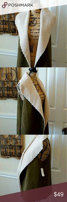 NWT MADISON & LOLA FAUX SHEARLING VEST SZ M Olive Sz M Faux Shearling Collar Fits True to Size 29 in Longest Length 26 in Shortest Length MADISON & LOLA Jackets & Coats Vests