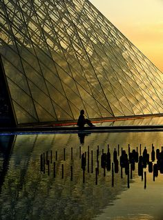 Méditation..., Les bassins de la pyramide du Louvre, Paris, France 2008 by Baloulumix, via Flickr