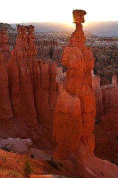 ✮ Thor's Hammer Sunrise - Bryce Canyon National Park - Utah