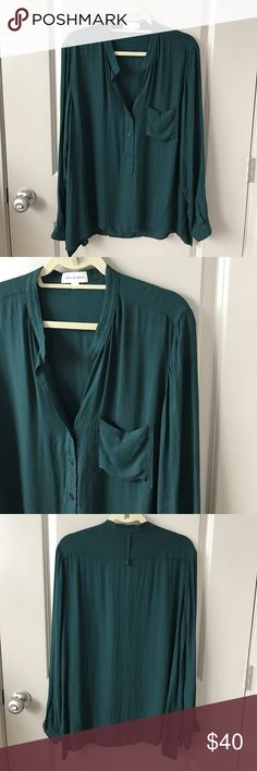 cloth & stone popover blouse Gorgeous green popover! By cloth & stone, purchased at Anthropologie! NWOT - never worn! Perfect condition! Anthropologie Tops Blouses