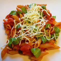 Edel's Mat & Vin : Penne all'arrabbiata !! Penne, Chili, Spaghetti, Ethnic Recipes, Food, Chile, Essen, Meals, Chilis