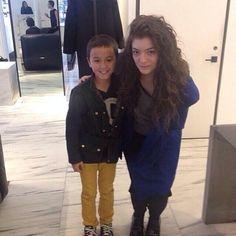 Lorde Slays Bieber In Album Sales - http://oceanup.com/2014/02/05/lorde-slays-bieber-in-album-sales/