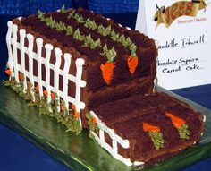 For that gardener. Cool garden theme chocolate carrot cake with white fence Peter Rabbit Birthday, Peter Rabbit Party, Peter Rabbit Cake, First Birthday Parties, First Birthdays, Birthday Cake, Chocolate Carrot Cake, Beaux Desserts, Garden Cakes