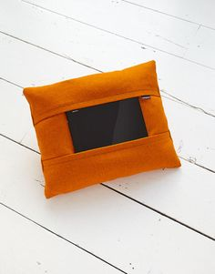 aol-coqoon-tablet-pillow-orange