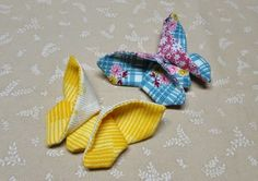 At the corner of Scrap and Quilts : Tutorial : Fabric Origami Butterfly