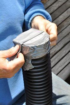Legen Sie einen Plastikschlauch in einen Behälter voll Sand. Wenn Sie das Resultat sehen möchten Sie es auch in den Garten oder auf dem Balkon diesen Sommer! - DIY Bastelideen