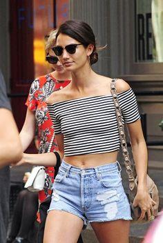 Model Off Duty Lily Aldridge Striped Crop Top Cut Offs Lily Aldridge, Models Off Duty, Stylish Outfits, Cute Outfits, Estilo Grunge, Teen Fashion, Fashion Trends, Tokyo Fashion, Fashion Top