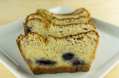 saftiger Grießkuchen ohne Zucker. Wenige Zutaten, und die Süße aus Obst, mehr braucht es nicht um einen leckeren Kuchen zu backen. Das Rezept findet ihr auf meinem Blog.