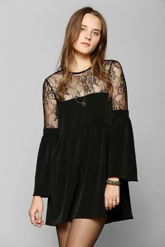ddbb4609d2f Oh My Love Lace-Top Bell-Sleeve Dress  urbanoutfitters Платье С Рукавами