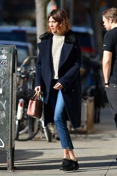 Alexa Chung wearing The Brianna Alexa Chung Street Style, Looks Street Style, Casual Street Style, Looks Style, Parisienne Chic, Tweed, Streetwear, Winter Looks, Her Style