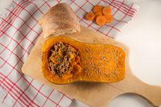 Gefüllter Butternuss-Kürbis mit Hackfleisch, Rosmarin, Karotten