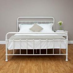 Nellie Metal Queen Bed in White