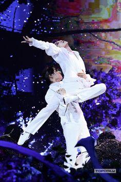 Bts Jungkook, Jungkook Dance, Jikook Bts, Jimin Hot, Foto Bts, K Pop, Wattpad, Bts Aesthetic Pictures, Bts Korea