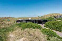 Bucht Ihr dieses energieeinsparende Ferienhaus, und wohnt Ihr nah an Dünen und Nordsee. Die Terrasse ist für Familien mit Kindern gut geeignet.