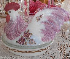 FENTON-HAND-PAINTED-GLASS-CHICKEN-BOX-MARILYN-WAGNER-OOAK