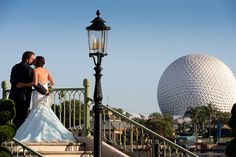 Enjoy the romantic views of Epcot at a Walt Disney World portrait session. Photo: Stephanie, Disney Fine Art Photography