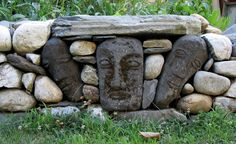 Donald, Saaf. 2011. Stone heads in Wall
