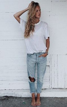 Distressed boyfriend jeans and t-shirt