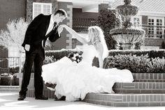 The ultimate romantic hand-kiss! Kimberly and Shaun's Arizona wedding- (Fotos by Flint)