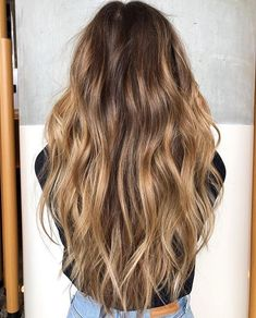 Gorgeous Hair Color Idea That Will Inspire You - Love this look Natural-Looking hairstyles Brown Hair Balayage, Brown Blonde Hair, Blonde Balayage, Blonde Honey, Honey Balayage, Balayage Highlights, Black Hair, Honey Brown Hair, Light Brown Hair