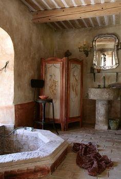 Italian bathroom - love the changing screen!