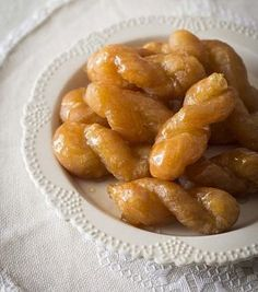 Cynthia's Koeksisters - The Best South African Koeksister Recipe - From Ladismith in the Klein Karoo South African Desserts, South African Dishes, South African Recipes, Africa Recipes, South African Decor, African Theme, Koeksisters Recipe, Beignets, Kos