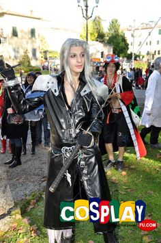 Sephiroth Cosplay Costume from Final Fantasy Sephiroth Cosplay, Final Fantasy Cosplay, Lucca, Cosplay Costumes, Finals, Punk, Comics, Games, Style