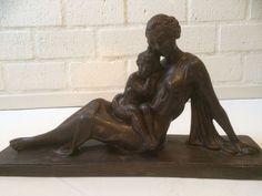 Online veilinghuis Catawiki: Gepatineerd aardewerk Art Deco beeld