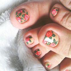 Las uñas de los pies también se pintan. Algunos modelos del 2015 - http://xn--decorandouas-jhb.com/las-unas-de-los-pies-tambien-se-pintan-algunos-modelos-del-2015/