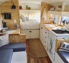 Camper van interior design and organization ideas (26)