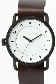 TID WhiteWalnut set  TID WhiteWalnut set 30240 シンプルで無駄のないデザインと機能性が魅力の TID Watchesティッド ウォッチズがスタイルクルーズに登場 2012年にスウェーデンストックホルムでスタートしたTID Watches ステンレススチール製で耐久性を備えるため ブラックのイオンコートの縁取りが印象的なNo.1コレクション!! アクセサリーと合わせてもGood! ボーイズレンジなサイズ感が腕をほっそり華奢にみせてくれます 可視性の白文字盤とブラックのWalnutベルトの組み合わせは 男性女性問わず大人気の組み合わせです! インスタ等でも大人気のTID Watchesを手に入れ 春のスタイリングにプラスしてみてはいかがでしょうか 素材ステンレススチール ベルト レザー(ブラック) ムーブメント電池式 防水性生活防水 (5気圧防水) 保証書について 保証書は購入明細書納品書と合せて保管していただきますようお願いします 修理の際は保証書と購入明細書納品書を合わせてご提出ください
