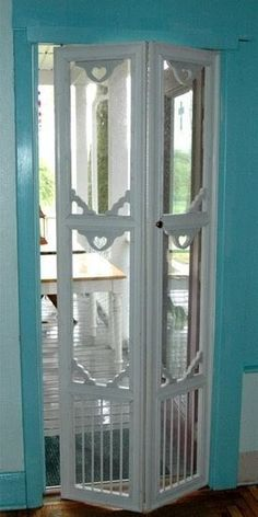 42 Ideas For Old French Door Ideas Shabby Wooden Screen Door, Diy Screen Door, Sliding Screen Doors, Diy Door, Diy Interior Screen Door, Bi Fold Doors, Save Screen, Vintage Screen Doors, Pocket Doors
